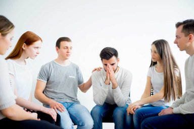 a group in a non 12 step alcohol rehab program