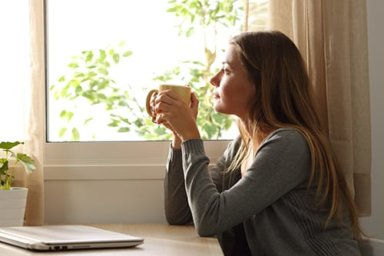 woman benefitting from mindfulness based cognitive therapy
